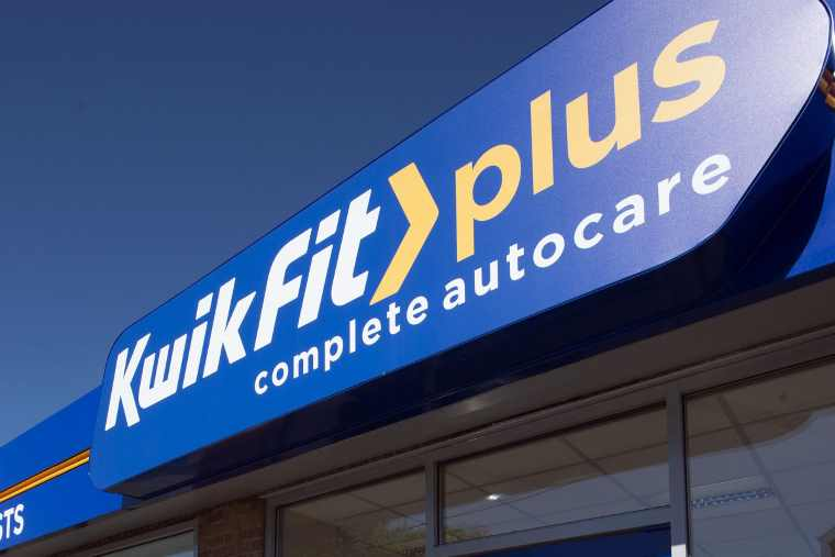 Kwik Fit centre signage