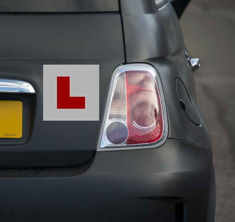 Learner plates on car