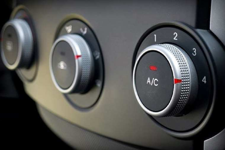 Air conditioning dashboard controls