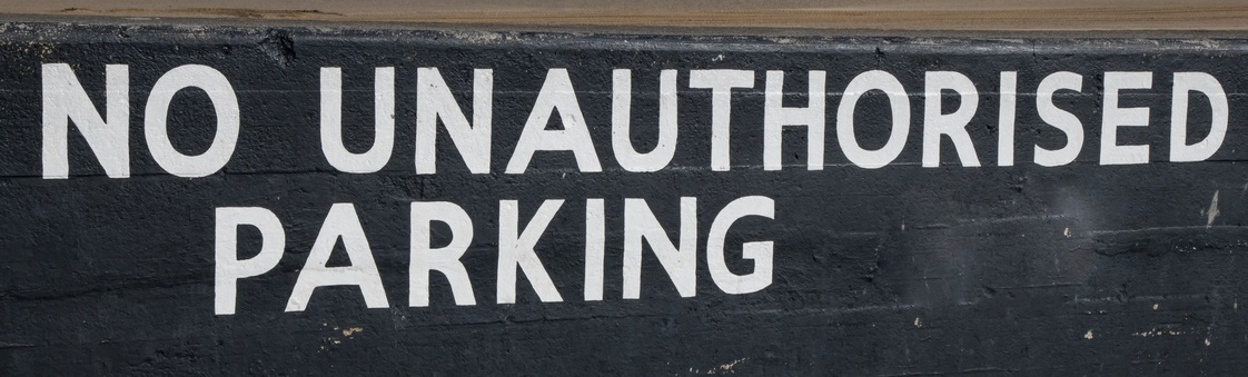 No unauthorised parking sign