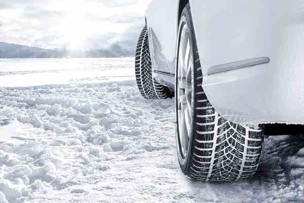 winter tyre on snow